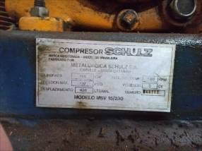 Compresor de aire Schulz 230 litros con motor trifasico