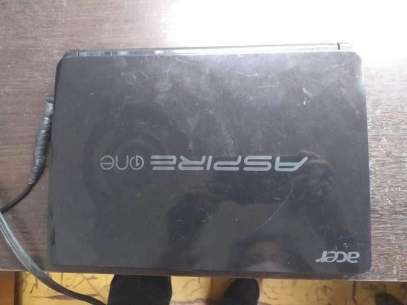 Netbook Acer Aspire One 10.1 pulgadas - 1