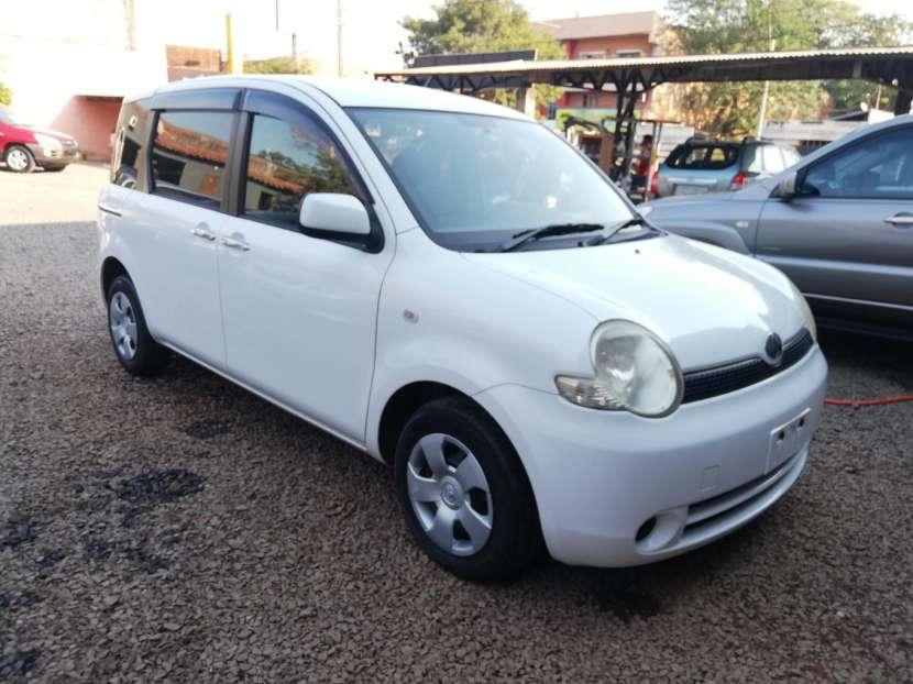 Toyota Sienta 2006 - 2