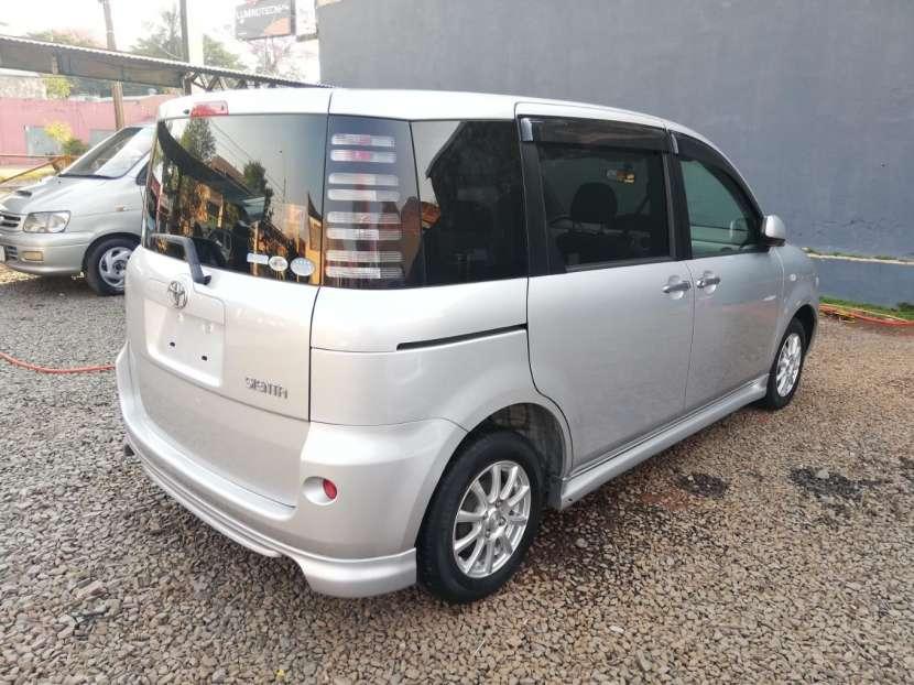 Toyota Sienta 2006 - 3