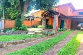 Residencia en Lambaré barrio La Victoria