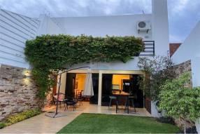 Casa pareada amoblada en Villa Morra