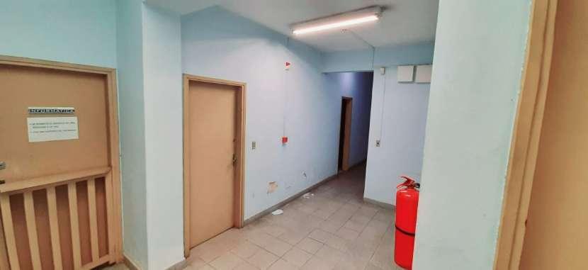 Casa con oficinas y depósito - 5