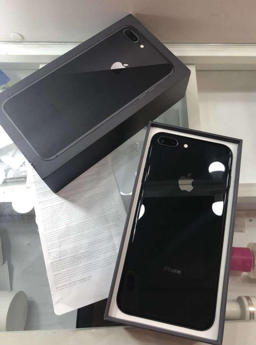 iPhone 8 Plus de 64 gb - 0