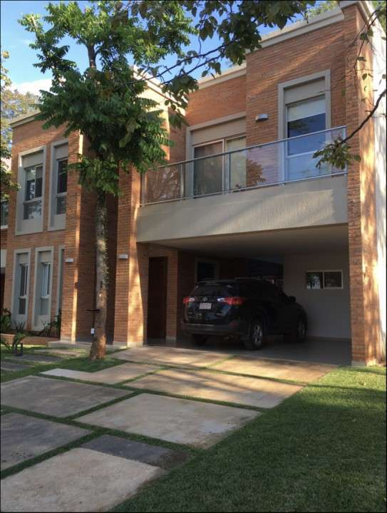 Casa en barrio cerrado Villa del Parque 3 Seminario - 0