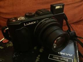 Cámara Panasonic Lumix DMC-LX5 lente Leica usada