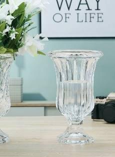 Florero de cristal tallado 24x15cm