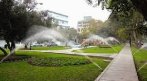 Sistema de riego para jardín residencias y canchas