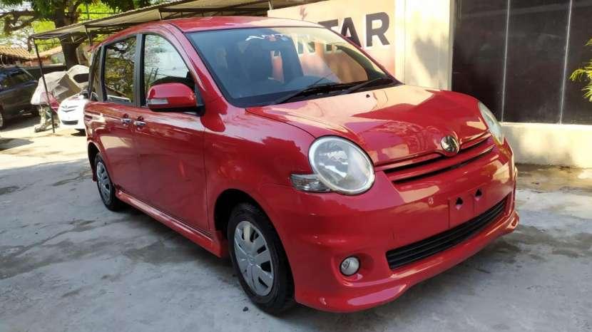 Toyota Sienta 2008 - 0