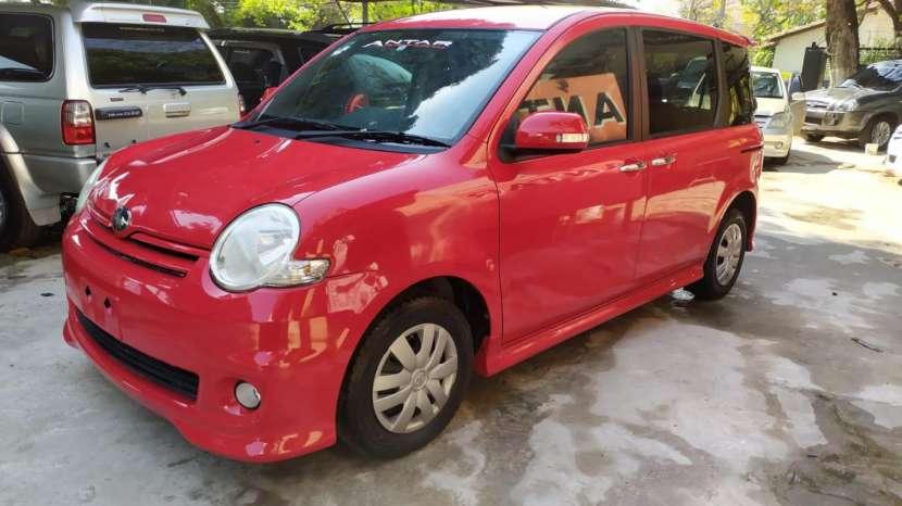 Toyota Sienta 2008 - 3