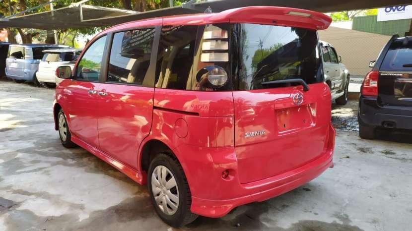Toyota Sienta 2008 - 4