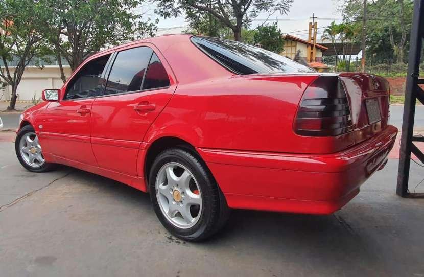 Mercedes Benz C250 1998 diésel automático - 1