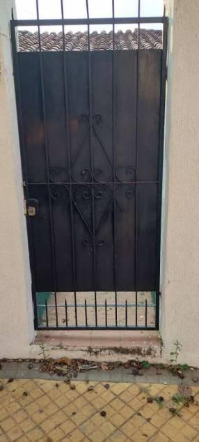 Portones en juego dos hojas y puerta