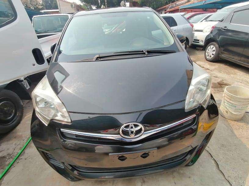 Toyota Ractis 2011 - 1