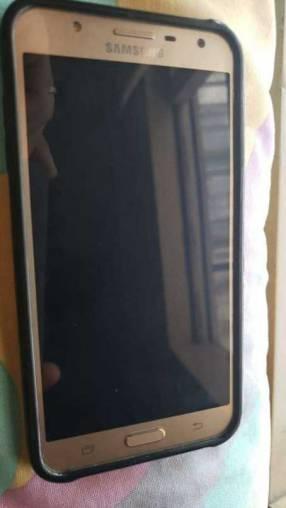 Samsung Galaxy J7 semi nuevo