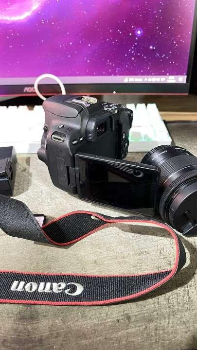Cámara Canon SL2 especial para crear contenido - 1