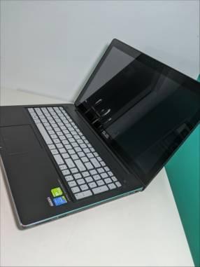 Notebook Asus 15 pulgadas touch i7 16gb gráfica Nvidia retroiluminado