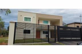 Casa minimalista en Luque zona Laurelty