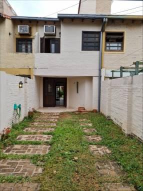 Duplex en Barrio Mburucuyá zona Biggie Trinidad
