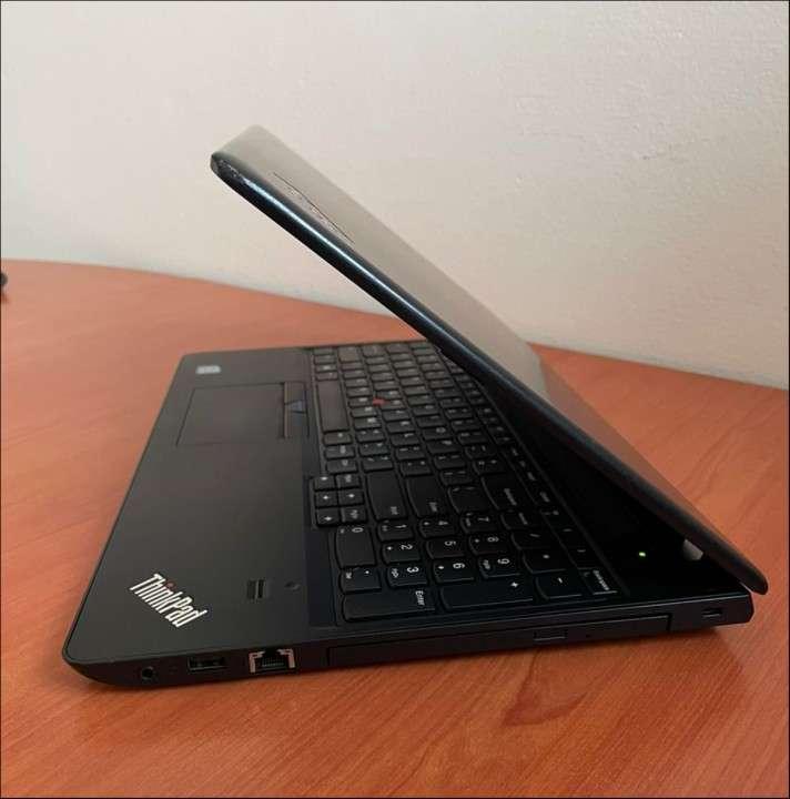 Lenovo Thinkpad e570 Intel i5 8GB RAM - 5