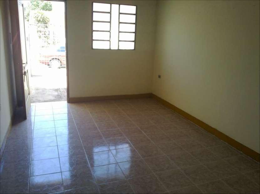 Casa en Luque 4to barrio - 4