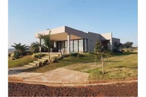 Residencia de lujo en barrio cerrado Agua Vista