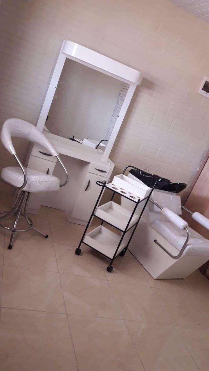 Muebles para peluquería - 0