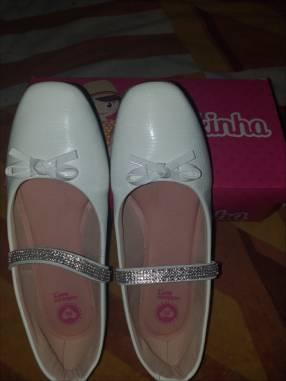 Zapato blanco para cortejo Molekinha calce 33 horma grande