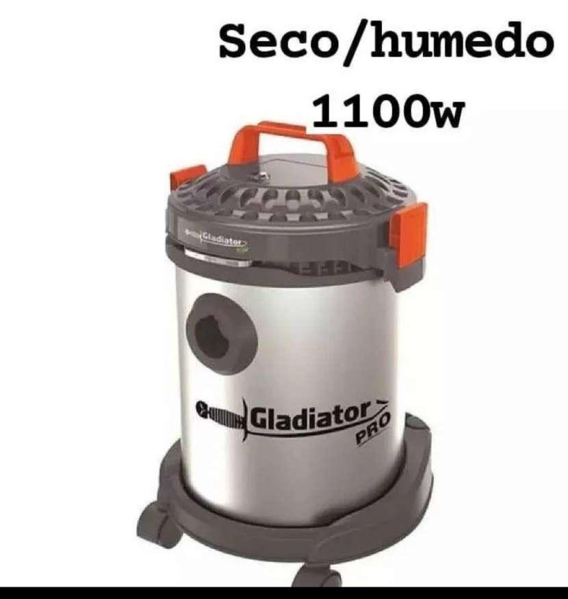Aspiradora seco/húmedo - 0