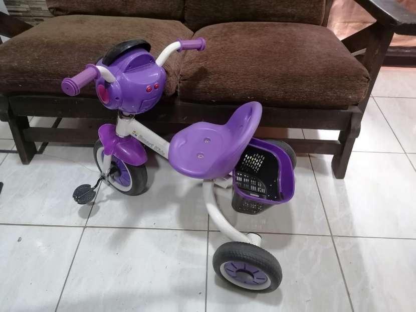 Triciclo con luces - 0
