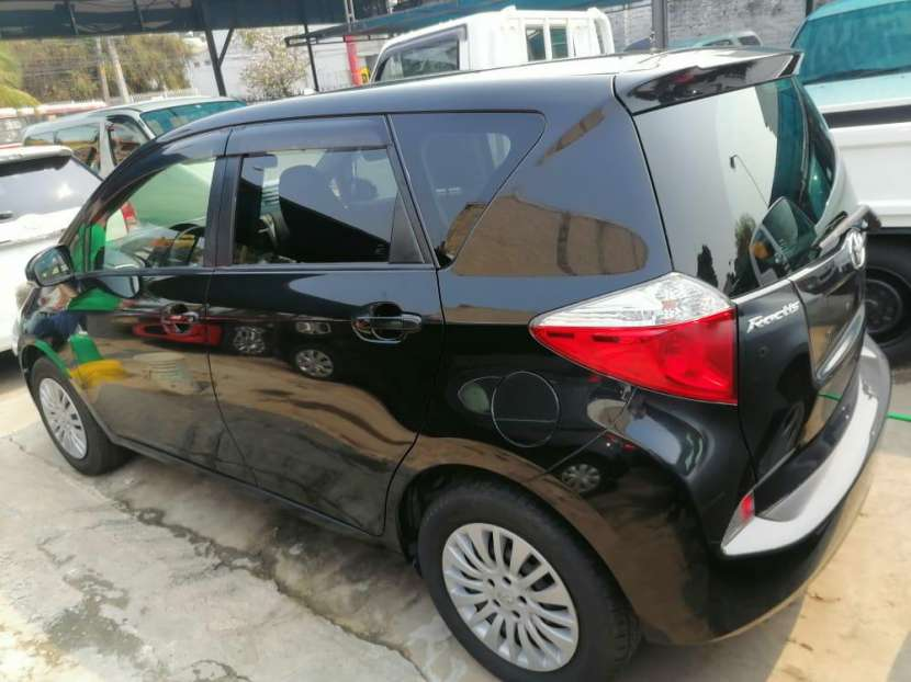 Toyota Ractis 2011 - 3