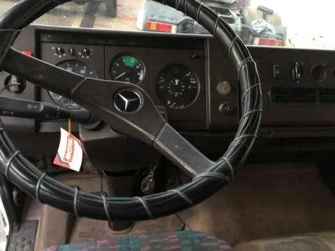 Mercedes Benz 1117 bomba común - 4