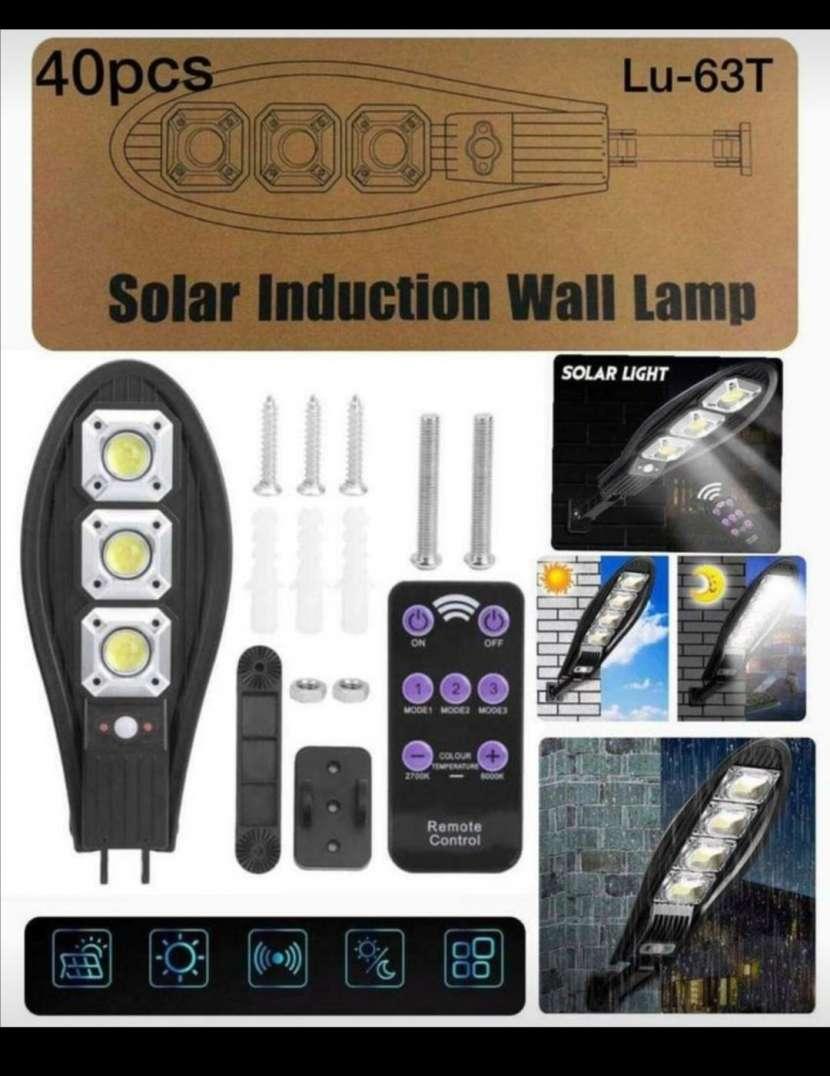 Reflector solar con sensor de movimiento y control remoto - 0