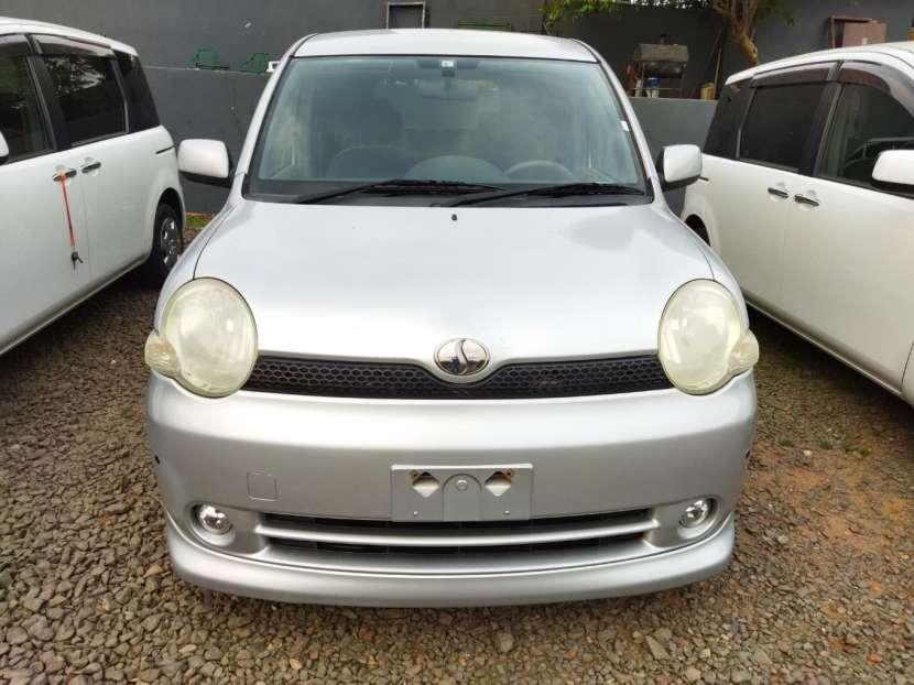 Toyota Sienta 2003 - 1