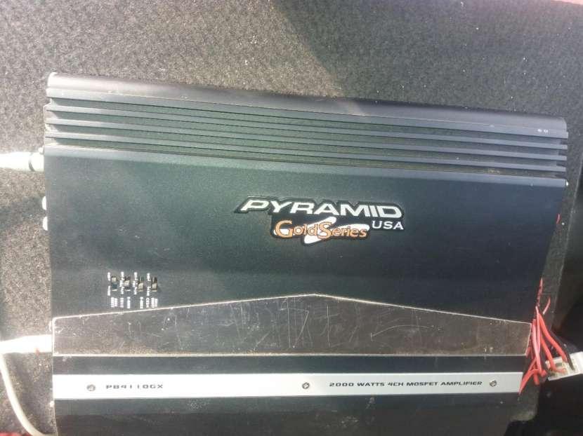 Caja trío Pioneer con amplificador Pyramid de 2.000 watts - 1