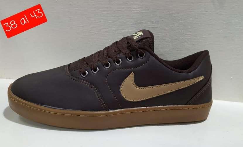 Calzado Nike SB bajito - 2