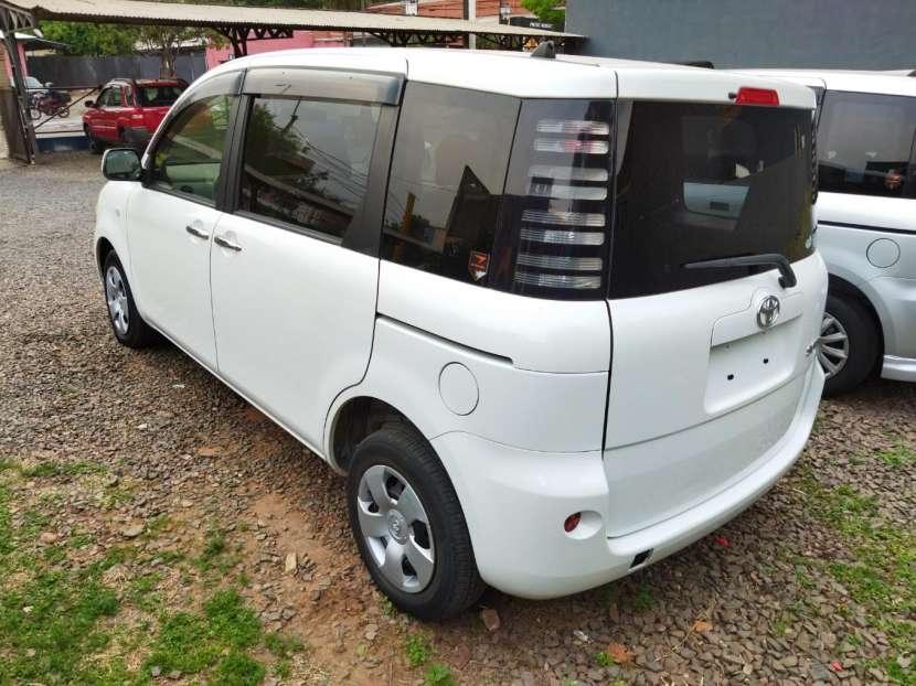 Toyota Sienta 2006 - 4