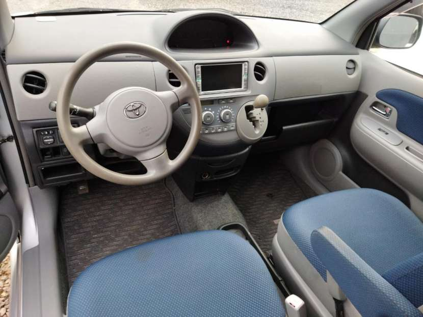 Toyota Sienta 2003 - 6