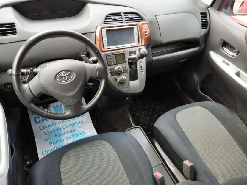 Toyota Ractis 2005 - 7