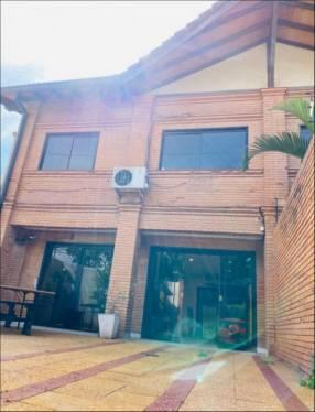 Duplex en Barrio Mburucuyá