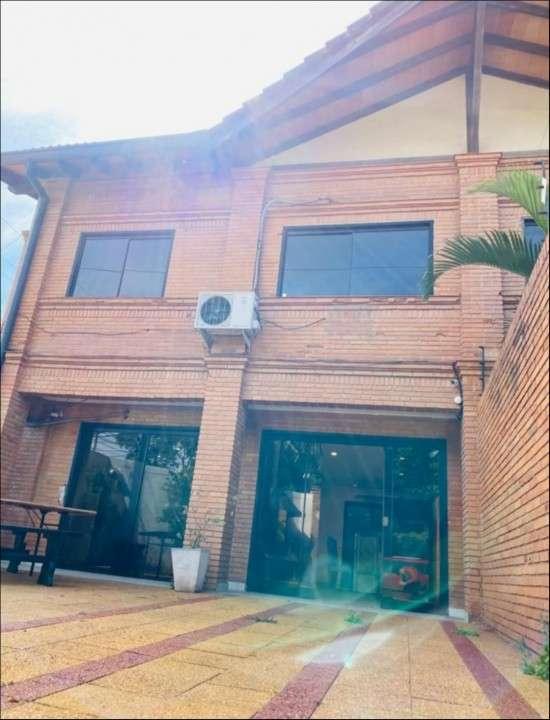 Duplex en Barrio Mburucuyá - 0