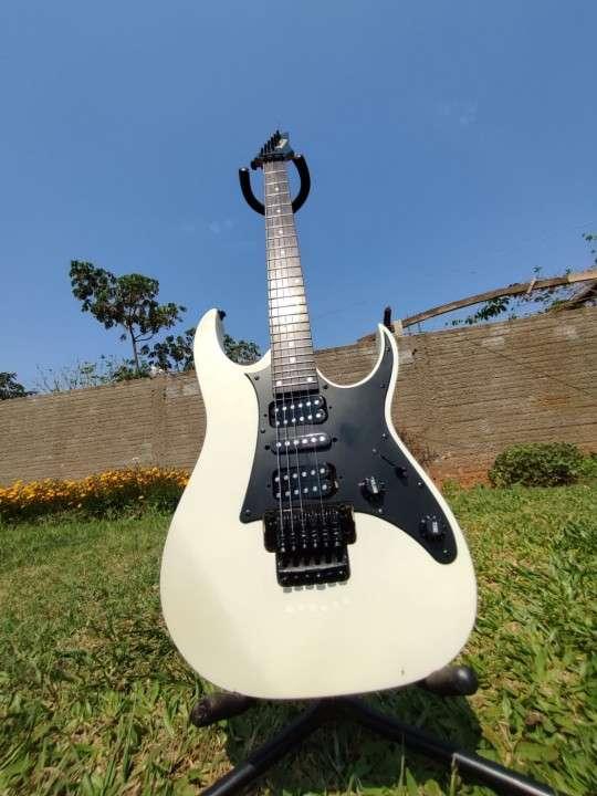 Guitarra Ibanez Gio - 1