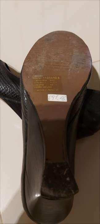 Zapato de cuero Mongomery calce 37 - 2