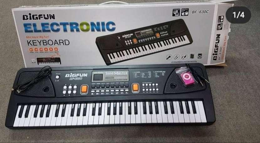 Piano electrónico - 0