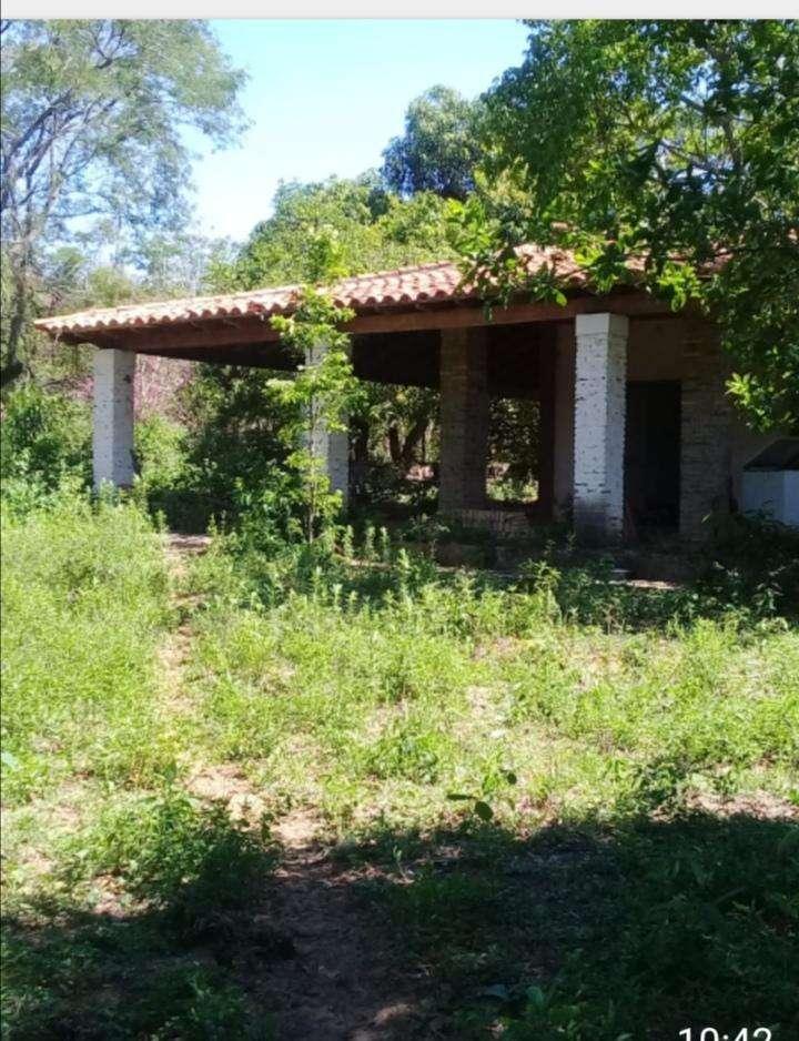 Casa con terreno de 10 hectáreas en Atyrá - 0