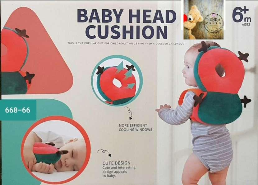 Almohada con protector para bebés - 0