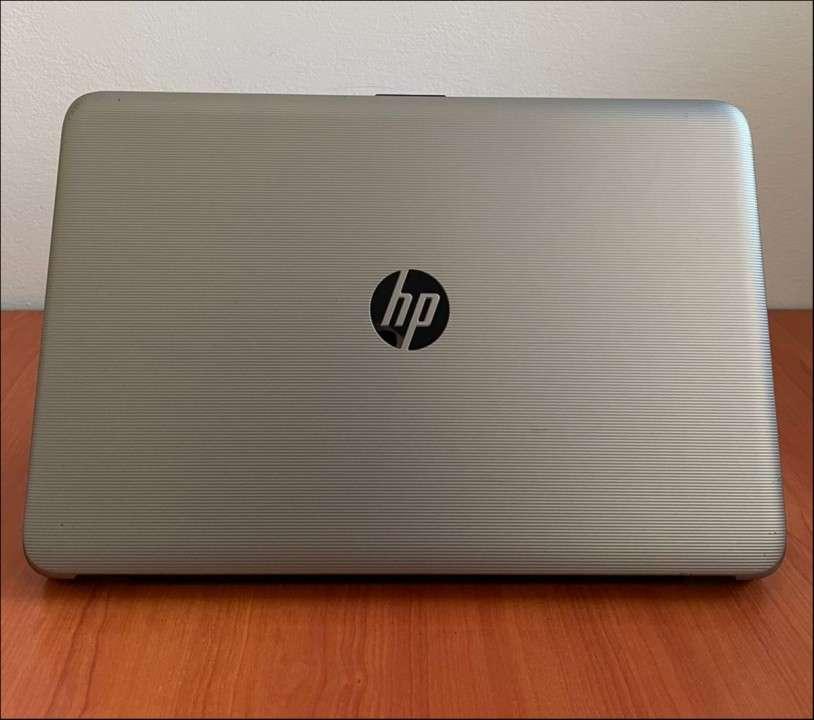 HP 15 Intel i7 6500u 8 gb RAM SSD - 1