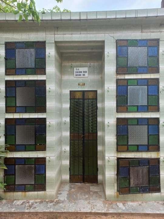 Panteón el cementerio de Lambaré - 1