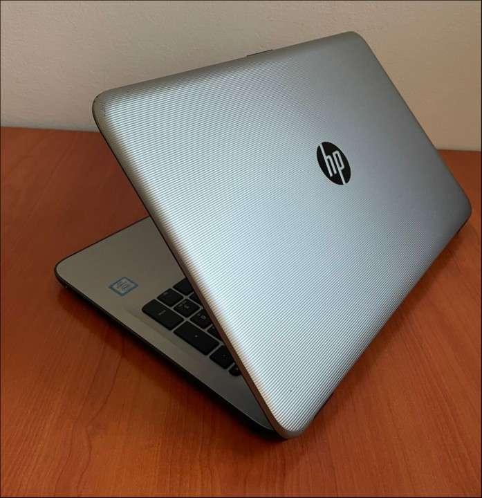HP 15 Intel i7 6500u 8 gb RAM SSD - 3