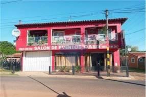 Casa con local comercial para eventos en Itauguá